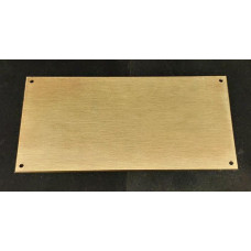 Skilt Messing poleret 152,4mm x 76,2mm. x 1,5mm. med 4 skruehuller.