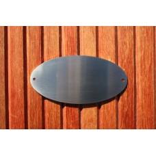 Skilt skuret rustfrit stål Oval 140mm. x 70mm. x 1,5mm. med 2 skruehuller.